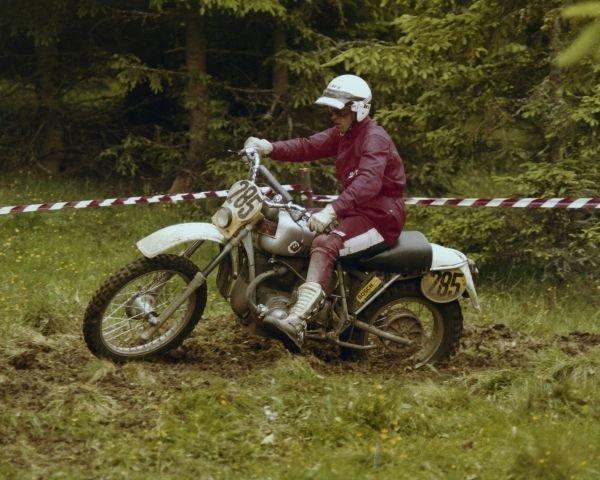 P90063665_lowRes_bmw-motorrad-30-year.jpg